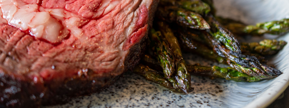 Prime rib with roasted asparagus