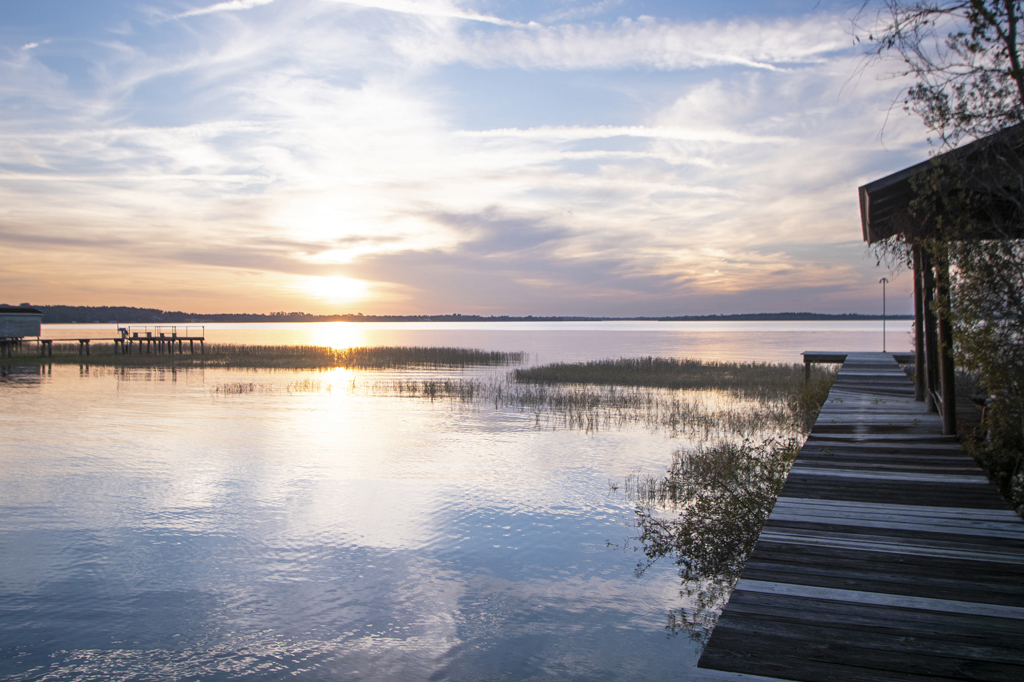 Click to view waterfront homes