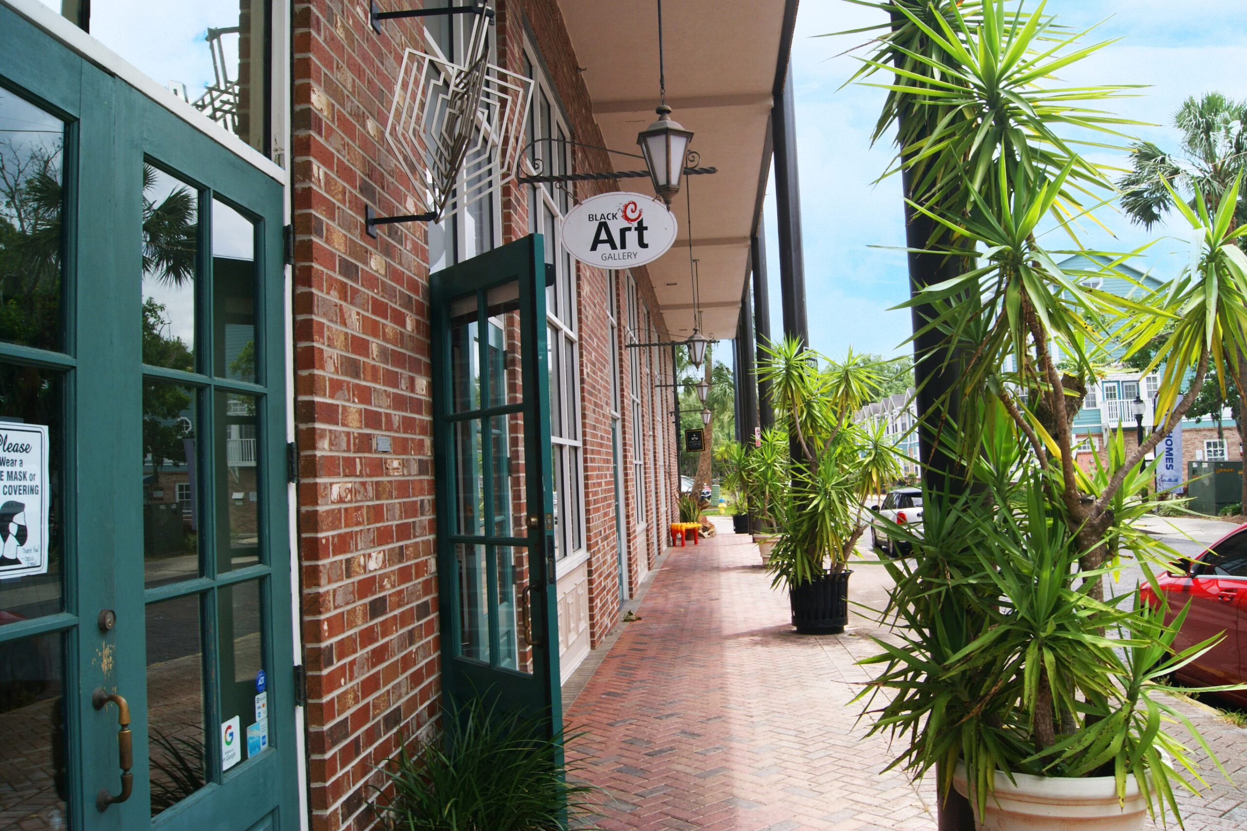 Click to view retail and restaurant space